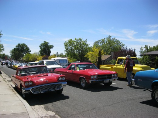 T-Bird on left lining up in Seligman for the run