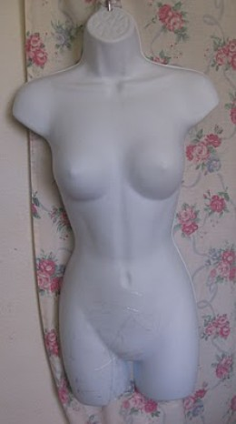 Shell Type Mannequin