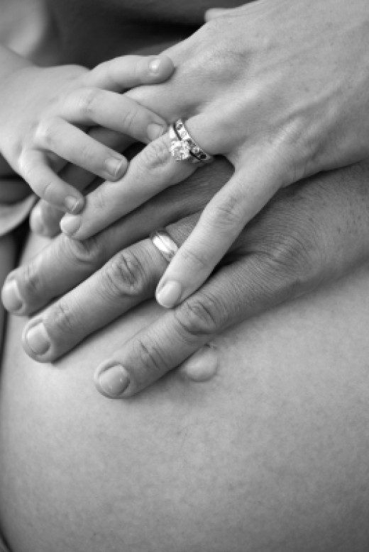 There are multiple benefits to having a doula assist during your labor and delivery.