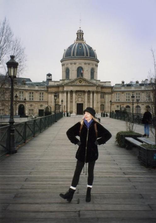 """Me in front of the Académie française, sans """"duvet!"""""""
