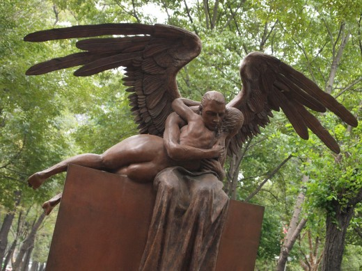 """Abrazo Monumental (Monumental Hug)"" 2006. Bronze Sculpture by Mexican Artist Jorge Marin. Mexico City Open Air Exhibit at ""Paseo de la Reforma (Chapultepec)""."
