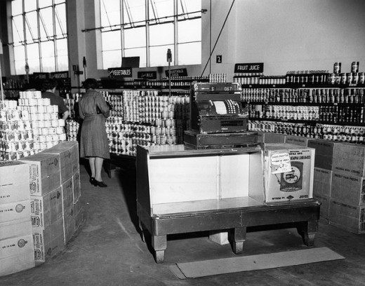 This is Ralph's Grocery in Los Angeles, 1943.
