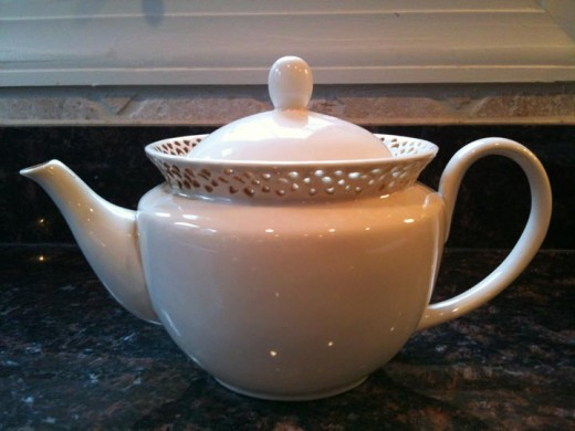 My favorite daily teapot, bought from the Wegmans store.