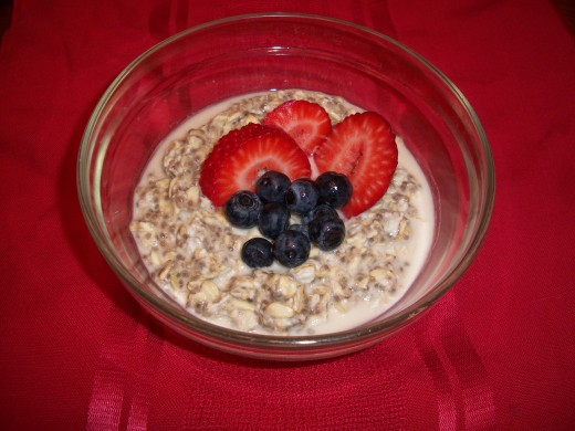 Chia Oatmeal with Fresh Berries