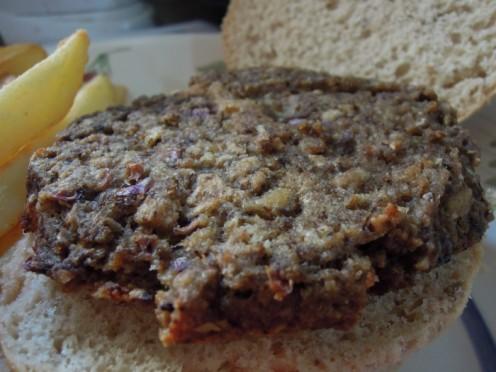 Cooked vegan mushroom burger.