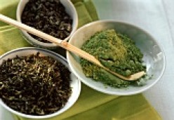 What is the difference between GREEN TEA and COMMON TEA powder?