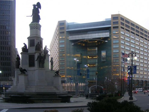 Compuware HQ behind Michigan Soldiers' and Sailors' Monument, Campus Martius Park next to Cadillac Square. The Detroit Opera House formerly stood behind the monument in the early 1900s.