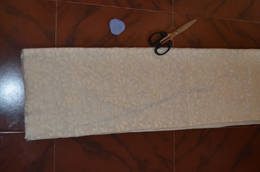 Marking the length and width in main cloth