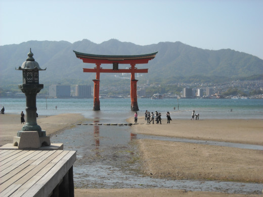 "The floating ""torii"" of Itsukushima."