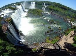 Iguazu Falls: Brazil/Argentina