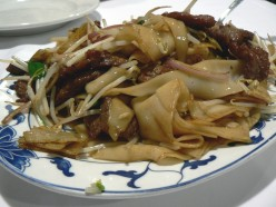 Stir-fried Beef with Rice Noodles