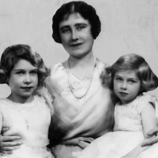 Queen Elizabeth ll as a young girl