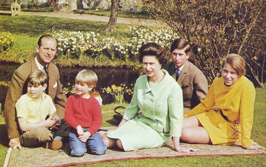 Queen Elizabeth ll with her children