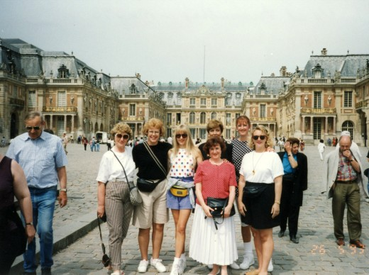 Arriving in front of the palace of Versailles