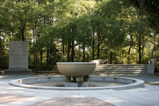 Roosevelt Memorial plaza. A tablet is to the left. Just add water to make the fountain flow.