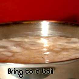 Bring the rice and all ingredients to a boil.