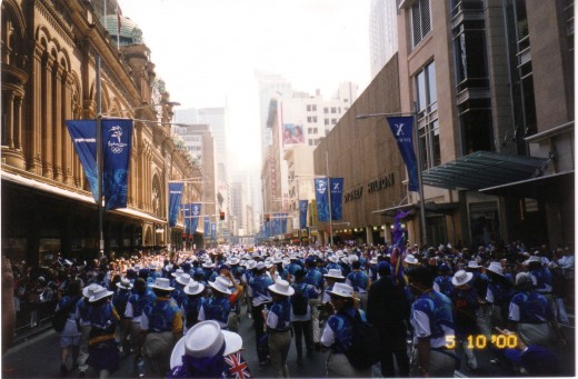 Sydney 2000 Olympic Games Volunteers hnour parade.
