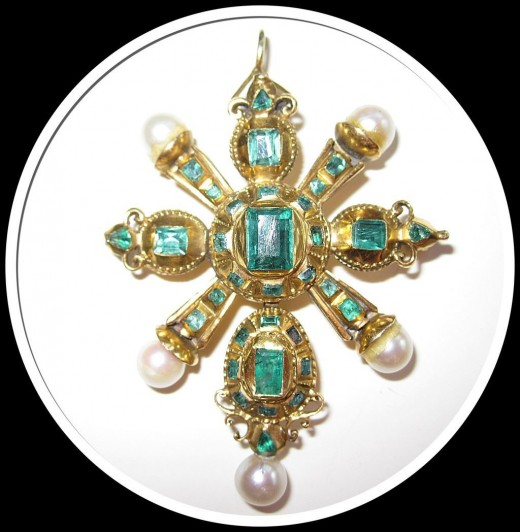 18th Century Emerald and Diamond Pendant