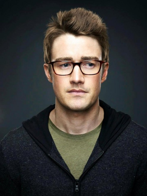 Robert Buckley as Brian Leonard