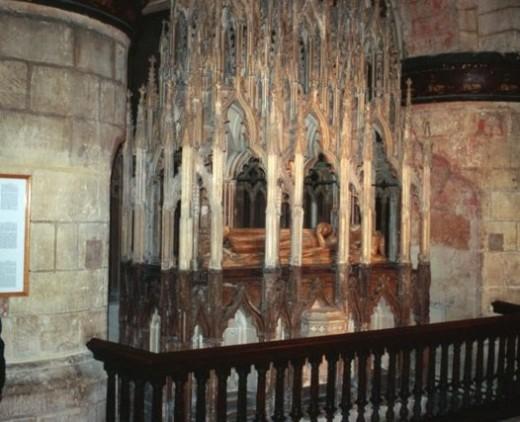 Alabaster tomb of Edward II