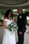 Wedding Photos: Candid Photos are Important to Tell the Rest of the Story