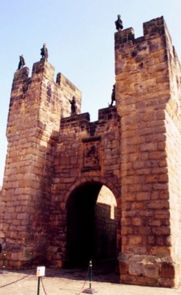 Tha barbican or external fortified entry. Note the martial figures on the top. Some speculate that they were to deceive the enemy into belieivng that the walls were well guarded.