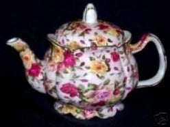 Rose Teapots: A Teapot with Roses On it Makes a Beautiful Collectible Item