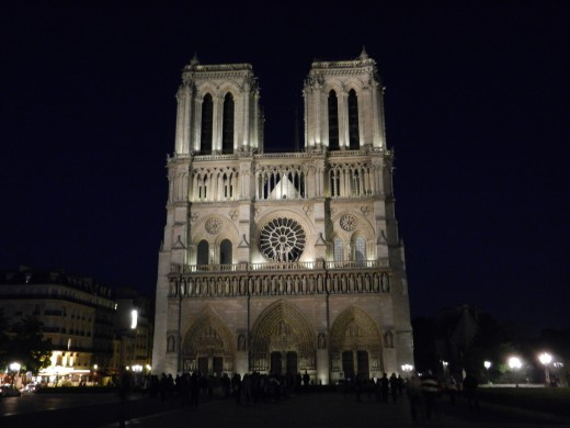 Notre Dame at night. Photo source: Shanna11