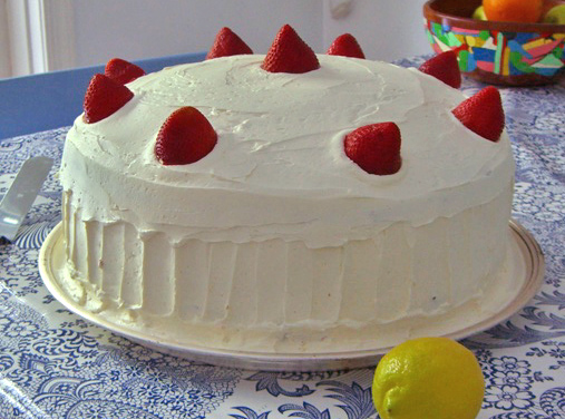 A method of frosting and decoration for cakes.