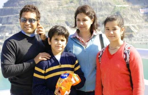 Sachin Tendulkar with Family : wife Anjali, daughter Sara and son Arjun