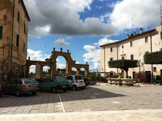 Inside the arches of Pitigliano