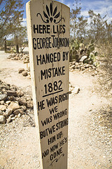 The funny epitaph of a man hung by mistake!