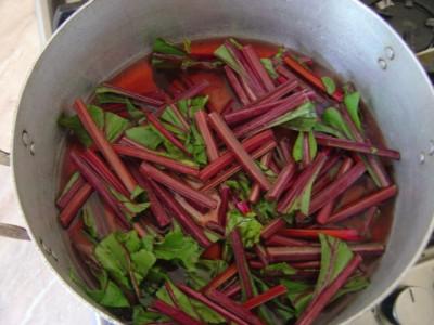 Stew stems for 2-3 min.