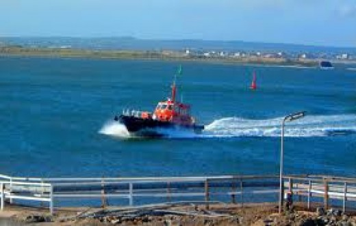 The Tees Pilot cutter returns past the South Gare breakwater