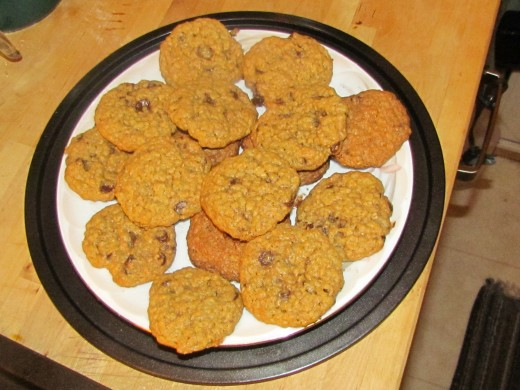 nothing gets you through a movie like a plate of cookies and some milk