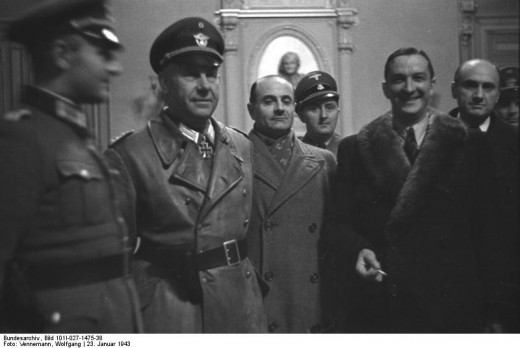 Rene Bousquet in Marseille with the German army in the round of Jews