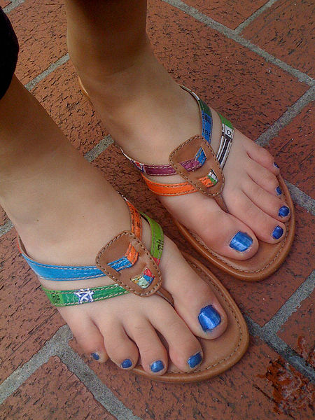 Pretty feminine feet!