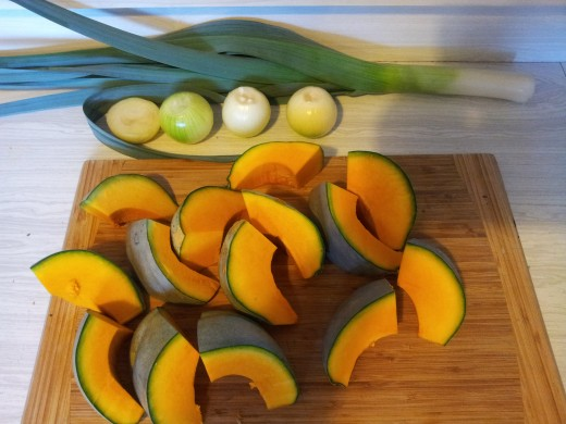 Main ingredients for this pumpkin soup recipe