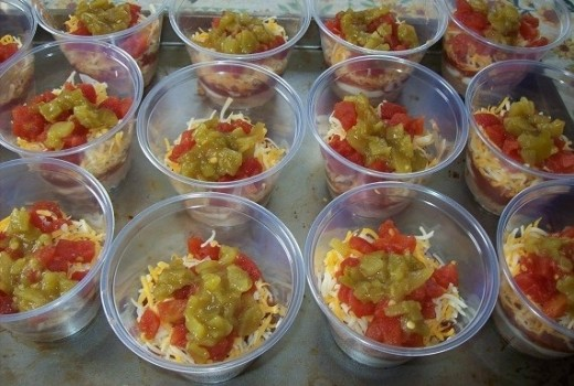 These individual 7 layer taco dip cups make it easy to grab and go