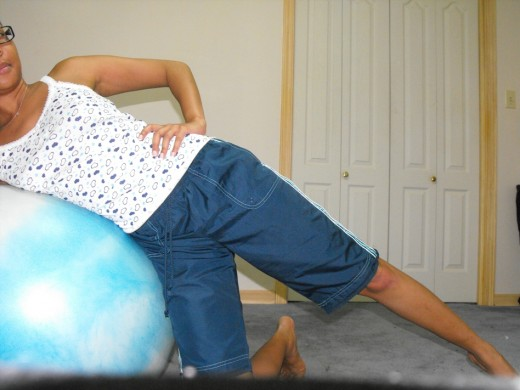 Make sure torso and exercise ball are well fitted together to allow for proper balance.