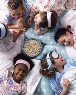 Fun Activities When Hosting a Slumber Party