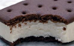 Ice Cream Cake Recipe- Homemade and Easy!