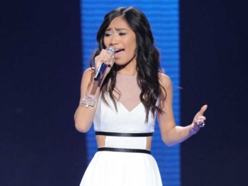 Jessica Sanchez sings on the American Idol stage.