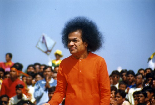 Swami seemed to be at His bountiful best as He moved down to pose with the Institute students on field...