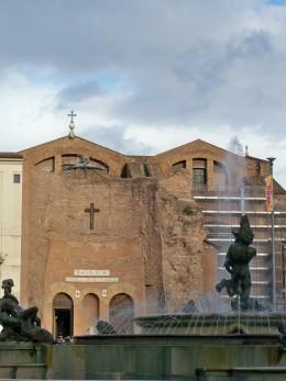 The Fontana della Naiadi in front of the Santa Maria degli Angeli in the Plaza della Repubblica