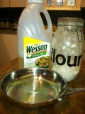 Easy 3 Ingredient White Gravy from Scratch