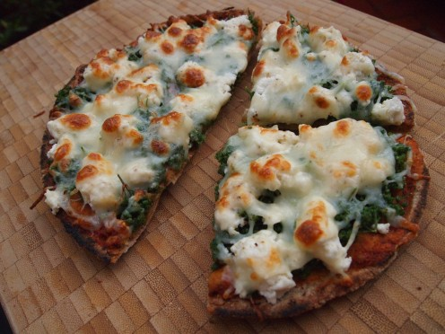 Homemade pizza recipe #2, the second of the healthy pizza recipes that intend to show how easy it is to make pizza at home, the quick and easy, the healthy and delicious way.