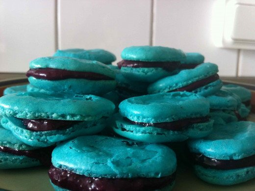 Blueberry and raspberry macarons