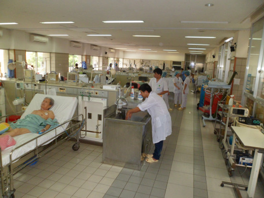 View of medical facility in Bath Mai Hanoi with the ozone generator being used front and center - Advantage 03