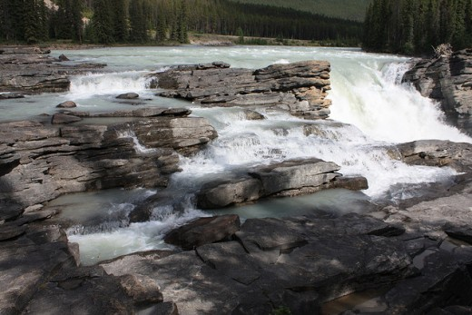 There are many different waterfalls in Jasper National Park, from gentle falls like this to others that cascade down for several hundred meters